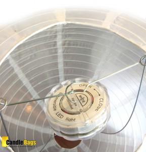LED lamp met afstandsbediening in witte lampion