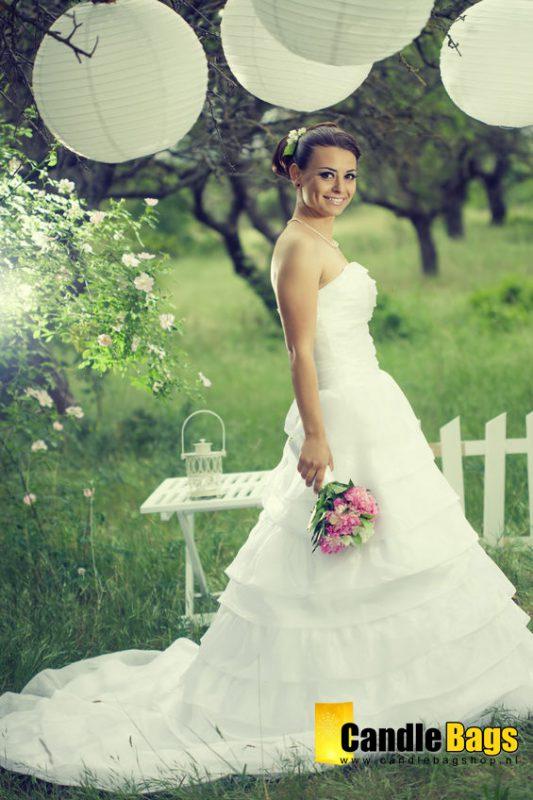 bruid met lampionnen