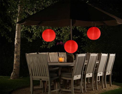 Rode nylon lampion op zonne energie