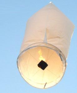 mooie witte wensballon